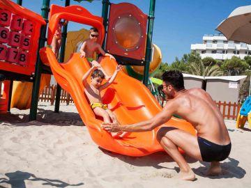 Hotel al mare con giochi per bambini